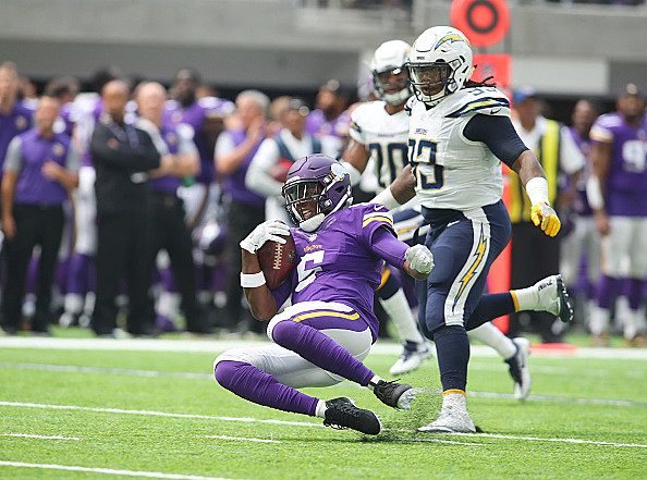 Vikings quarterback Bridgewater out for season with ACL injury